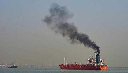 Sử dụng dầu nhiên liệu hàng hải hàm lượng lưu huỳnh thấp làm tăng phát thải muội than, gây nguy hiểm cho Bắc cực